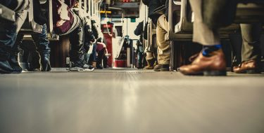 Basta bus strapieni o a passeggeri lasciati a piedi