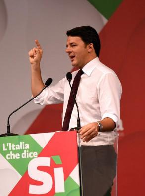 Incontro con il Premier Matteo Renzi al Teatro Toselli di Cuneo